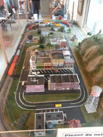 Amory, MS: Train layout