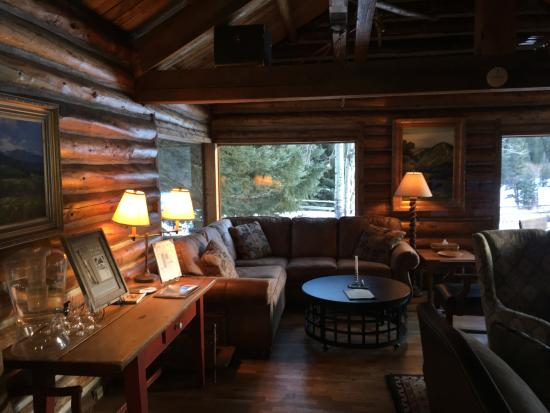 Ski Tip Lodge: Common area