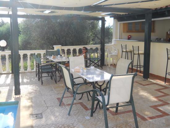 Antilia Apartments: bar colazione