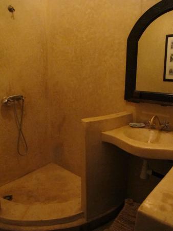Riad Aderbaz: Clean bathrooms
