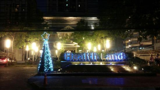 Health Land Spa & Massage (Pradit Manutham)