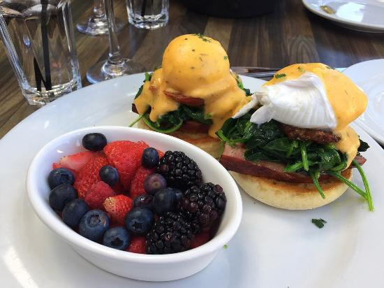 Eggs benedict with an above average fruit side picture for Rock n fish