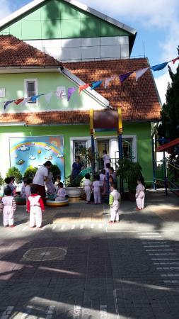 Villa Pink House: рядом детский сад))