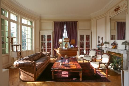 Le Taillan-Medoc, Prancis: Spacious and Inviting Guest Lounge
