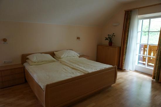 Gasthof Weisses Lamm: 넓고 편안한 침대