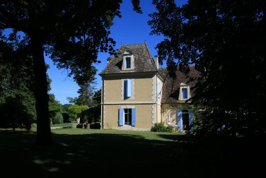 Monmarves, France : The main building