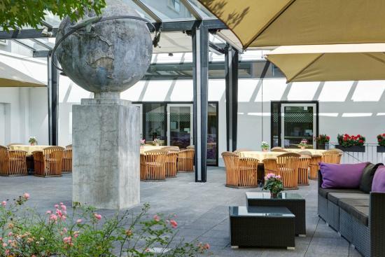 ICH Frankfurt Airport - Terrasse