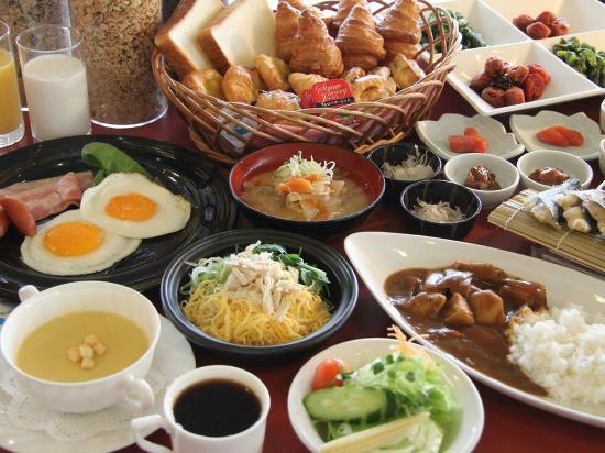 Kagoshima Kuko Hotel : 鹿児島の郷土料理や地元の食材を使った和洋バイキング♪