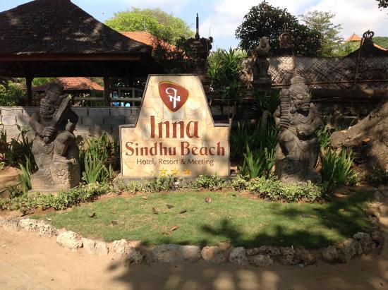 Inna Sindhu Beach: Sept-okt 2015