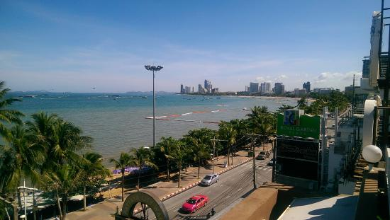 Baywalk Residence Pattaya: 餐廳景觀