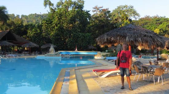 Villa Horizontes Soroa: una delle 2 piscine esterne