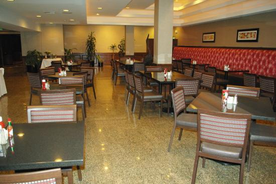 Holiday Inn Buena Park Hotel & Conference  Center: Ventanas Restaurant open for breakfast, lunch and dinner