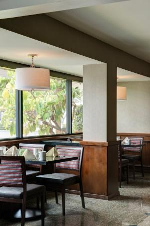 Holiday Inn Buena Park Hotel & Conference  Center: Family dining featuring an array of foods open at 6:30am daily