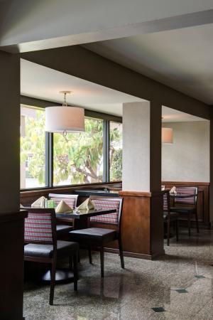 Holiday Inn Buena Park Hotel & Conference  Center: Ventanas Restaurant with a variety of food options to please all
