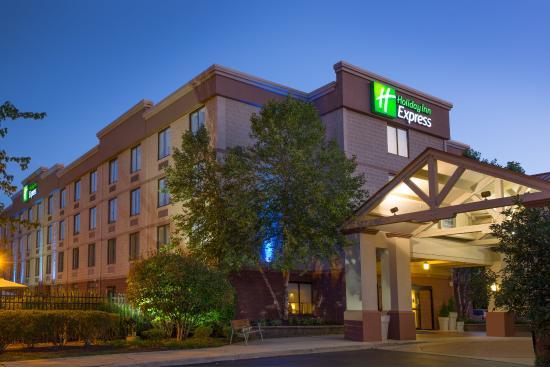 Holiday Inn Express Exton - Lionville: Hotel Exterior