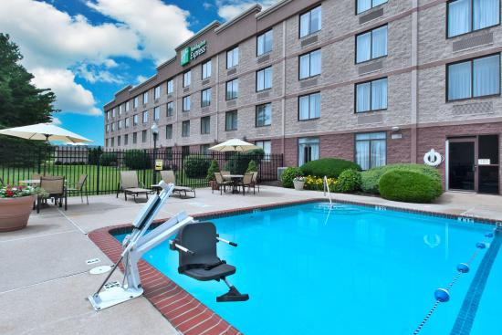 Holiday Inn Express Exton - Lionville: Swimming Pool