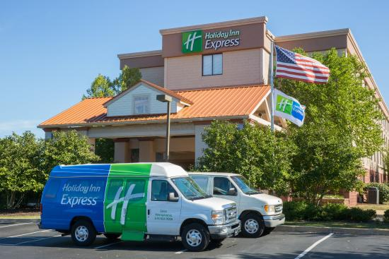 Holiday Inn Express Exton - Lionville: Shuttles