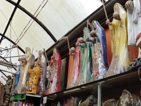 El Popo Market : Sensenmänner-Versammlung