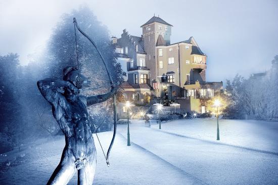 Hotel Schloss Monchstein: Winter Außenfassade