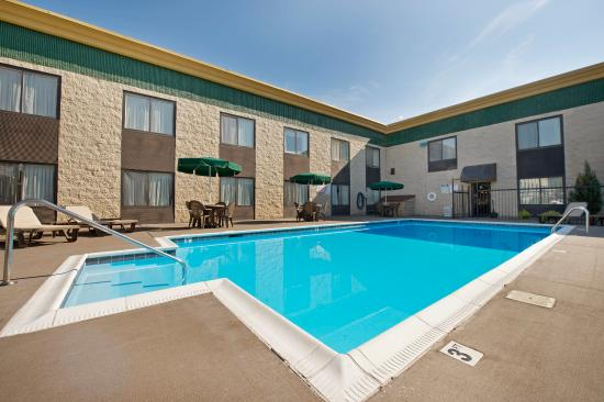 Wonderful experience review of best western huntington - Outdoor swimming pools north west ...