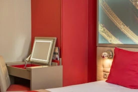 Hotel regina opera paris frankrike omd men och for Hotel regina opera paris