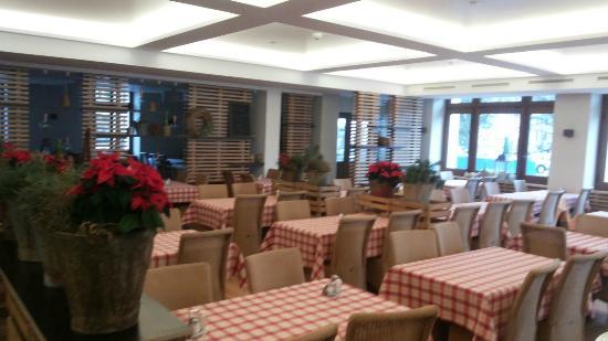 """Restaurant Pizzeria La Grange Da Antonio : la salle principale """"style trattoria"""""""