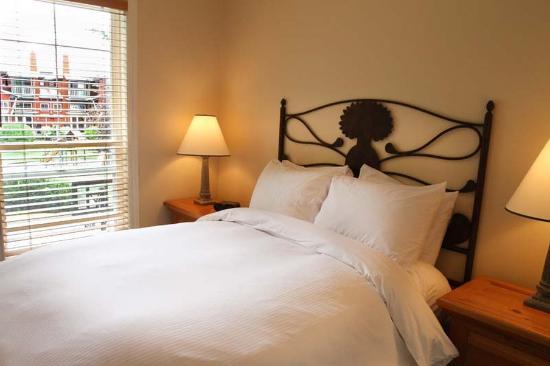 Manteo Resort - Waterfront Hotel & Villas: Villa 2nd Bedroom
