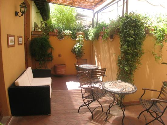B&B Tourist House Ghiberti : Patio