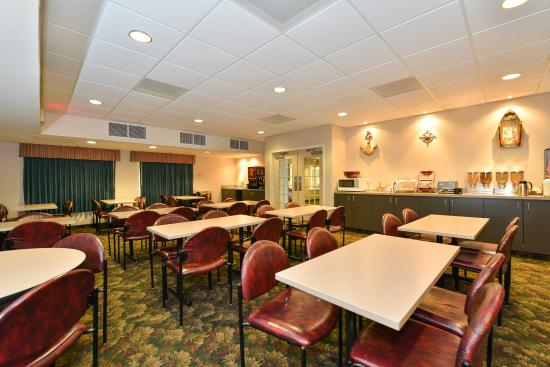 BEST WESTERN Beacon Inn : Meeting Room and Breakfast Area