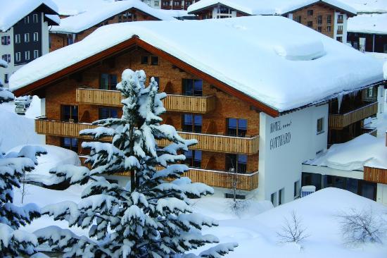 Hotel Gotthard : Winter Außenfassade