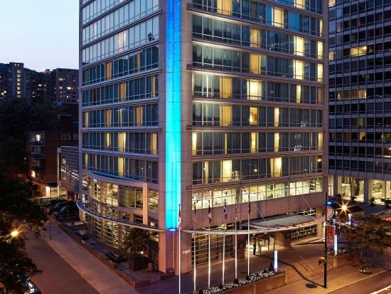 Sofitel Montreal: Exterior