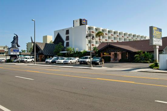 Photo of BEST WESTERN Aku Tiki Inn Daytona Beach