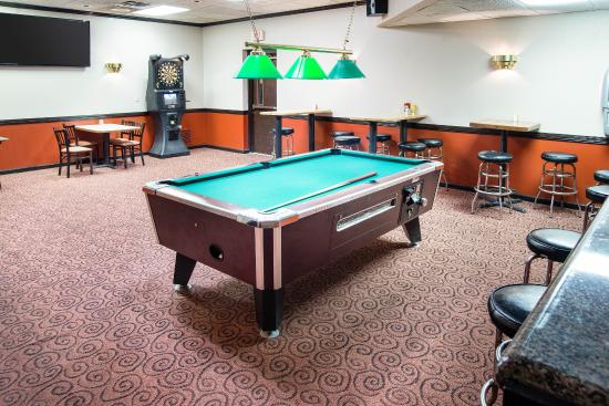 Clarion Hotel: Game Room