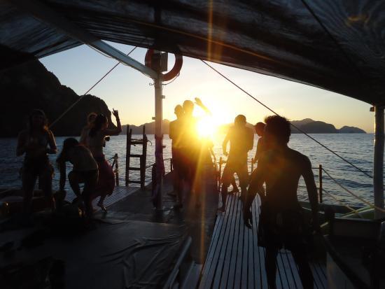 El Nido, Philippines: Atardecer inolvidable desde el barco
