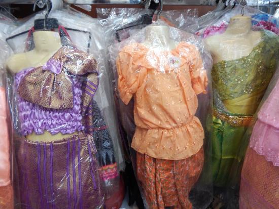 Saris - Bild von Phahurat Market (Little India), Bangkok - TripAdvisor
