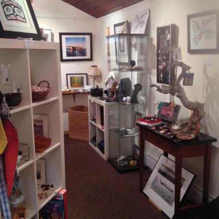 Masset, Canada: Inside the Gallery