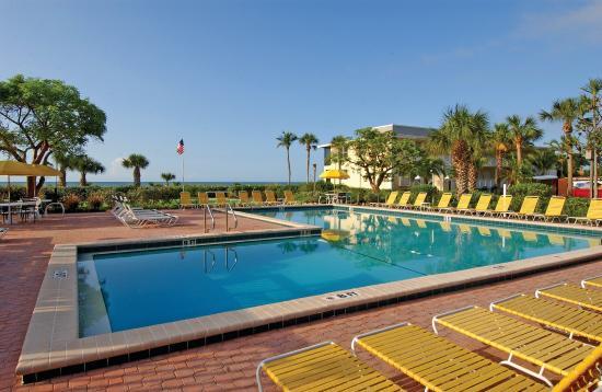 Sanibel Inn: Outdoor Pool