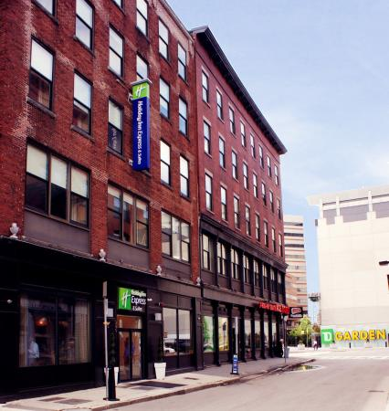 Holiday Inn Express Hotel Amp Suites Boston Garden Ma