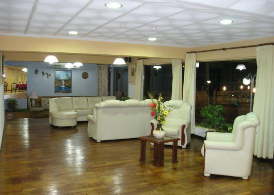 Hotel Algarrobo: LOBBY