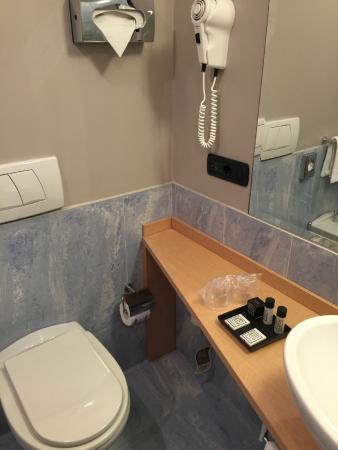 Hotel Studios: nuova struttura lavabo