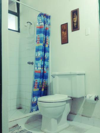 Hostal El Pulpo: Private Bathroom