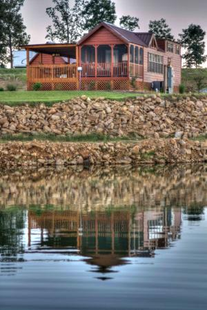 Crane Hill, AL: Choose a pond lot in phase 2 and upgrade to a private pier