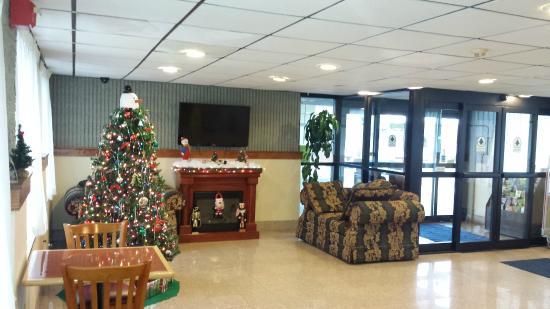 Days Inn Wilkes-Barre: Lobby Sitting Area