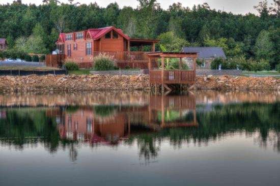 Crane Hill, AL: Site built cabins or park model RV's that look like cabins.