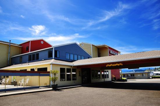 Harborside Inn: Exterior