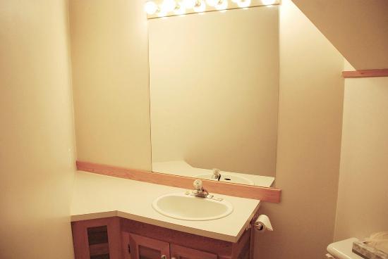 MTN Fun Basecamp: Room 1, Bathroom
