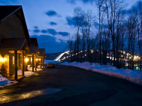The Lodges at Sunset Village: Night time winter season
