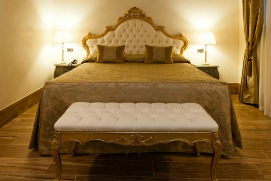 Hotel Al Ponte Mocenigo: letto king size