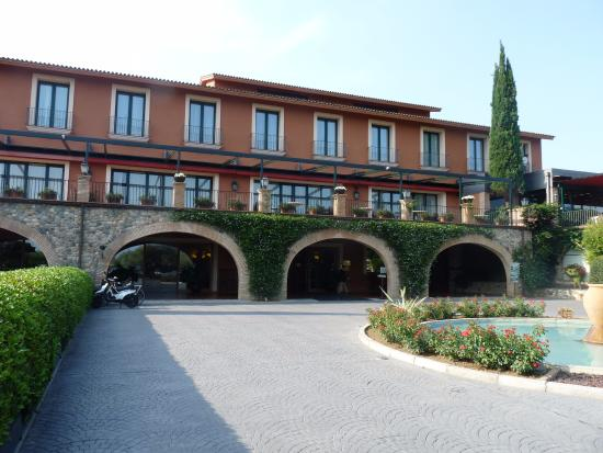 hotel peralada wine spa u golf entree