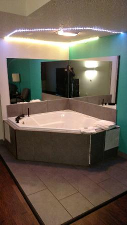 Skylight Inn Clevelend Updated 2018 Prices Motel Reviews Willoughby Ohio Tripadvisor
